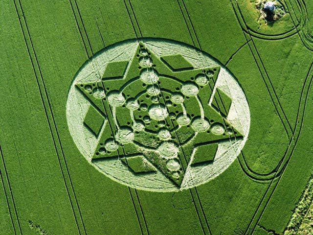 Spinning star crop formation