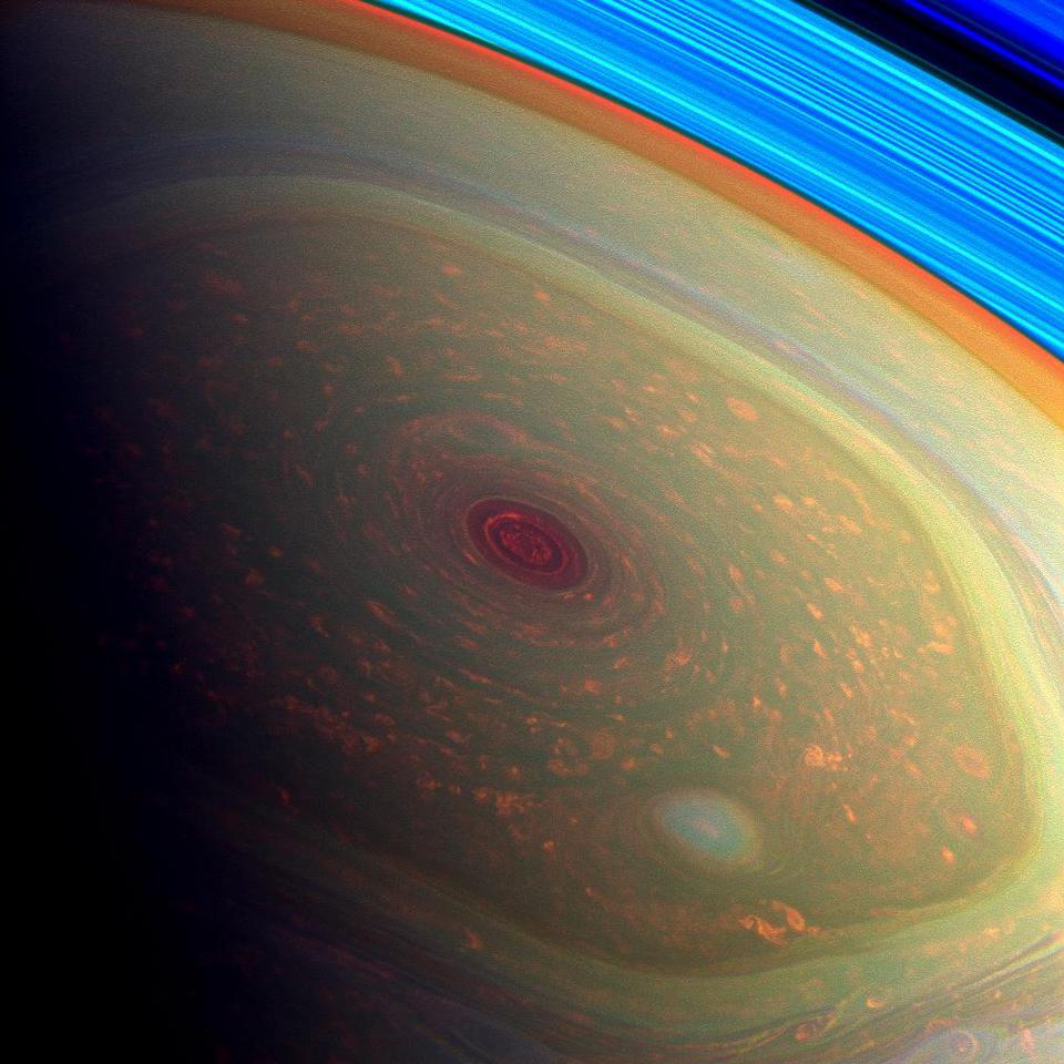 Saturn hexagon from Cassini - 2013-04